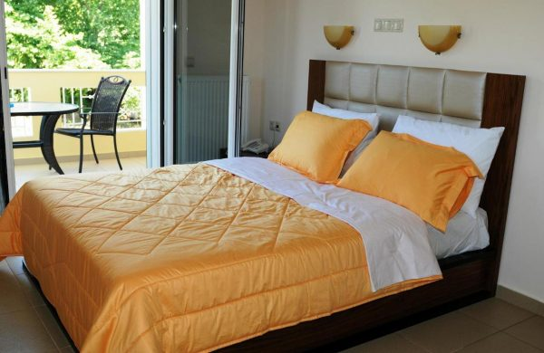 Royal Studios - double room with balcony